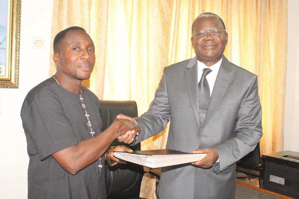 M. Kossi Ayénagbo, doyen suppléant de la FaSEG