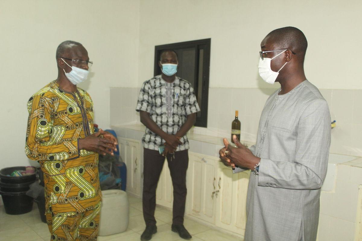 Le Ministre Bataka, en visite à l'Université de Kara