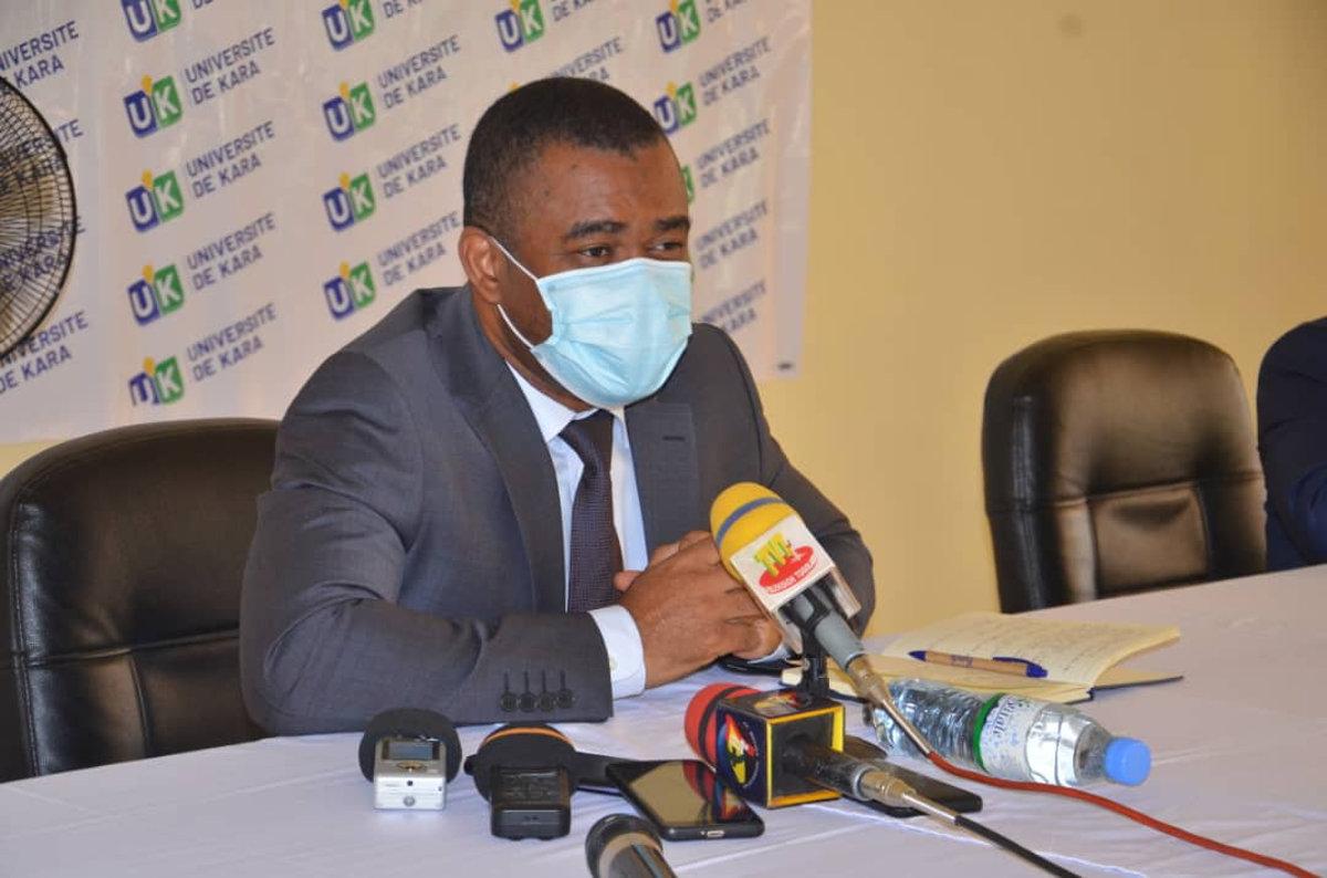 Le ministre Majesté N. Ihou Watéba touche du doigt les réalités de l'Université de Kara